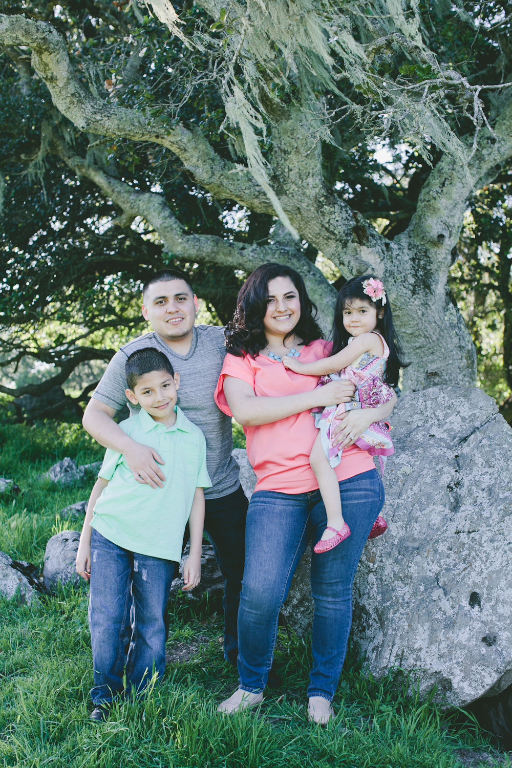 MARIA_VILLANO_FAMILY_PHOTO_SANTA_ROSA_TAYLOR_MOUNTAIN