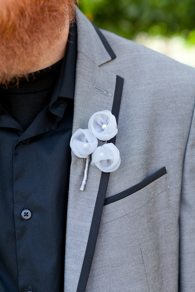 MARIA_VILLANO_HEALDSBURG_MADRONA_MANOR_WEDDING_FABRIC_BOUTONNIERE