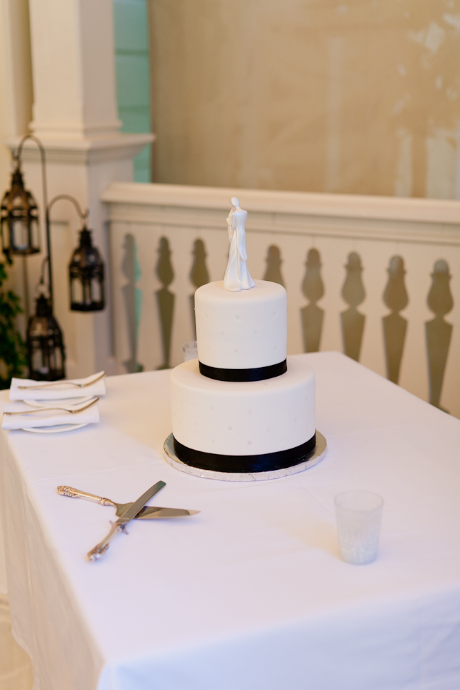 MARIA_VILLANO_HEALDSBURG_MADRONA_MANOR_WEDDING_CAKE