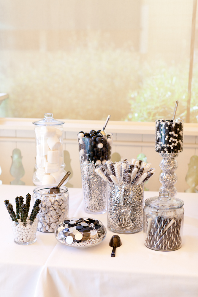 MARIA_VILLANO_HEALDSBURG_MADRONA_MANOR_WEDDING_CANDY_BAR