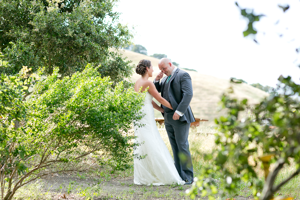 MARIA_VILLANO_GLORIA_FERRER_WINERY_SONOMA_WEDDING_FIRST_LOOK