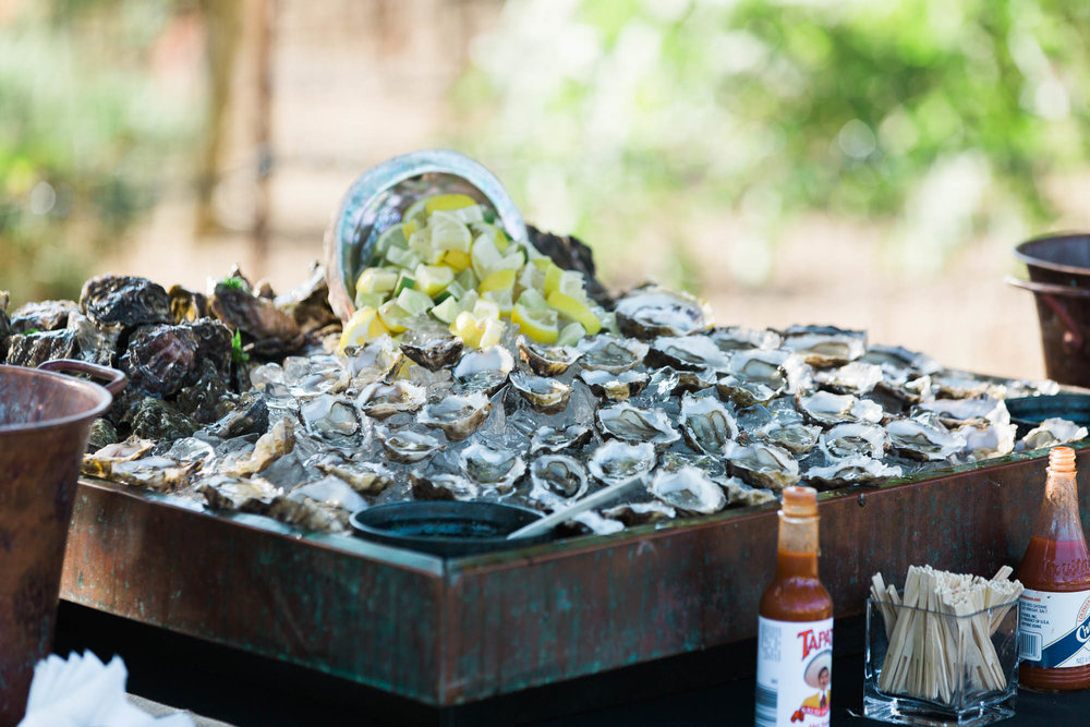 HOG ISLAND OYSTER BAR AT WEDDING MARIA VILLANO PHOTOGRAPHY