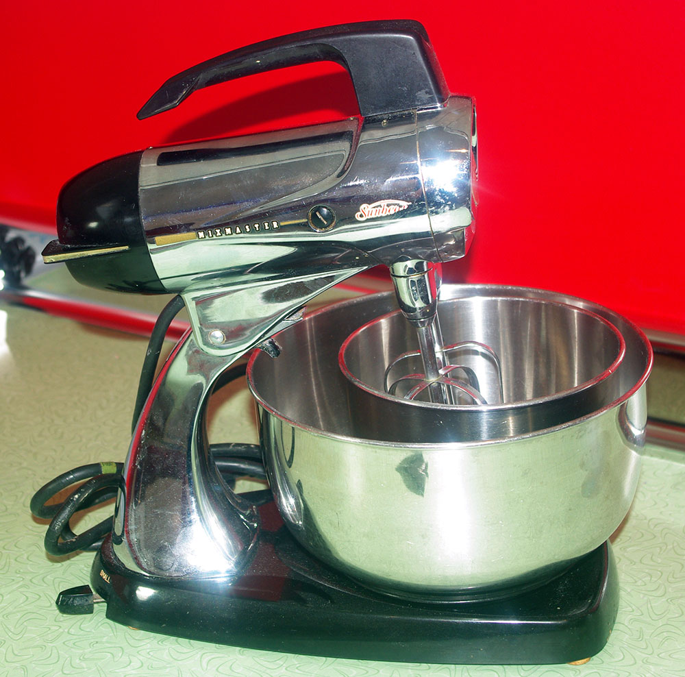 My vintage Sunbeam Mixmaster.  I love the design of this thing!