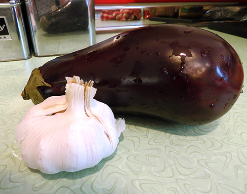 Eggplant and garlic, some of the ingredients for Baba Ghanoush.