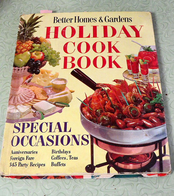 "1959's ""Better Homes & Gardens Holiday Cook Book"""