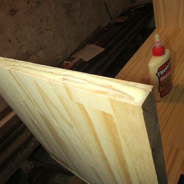 Glue on one of the uprights