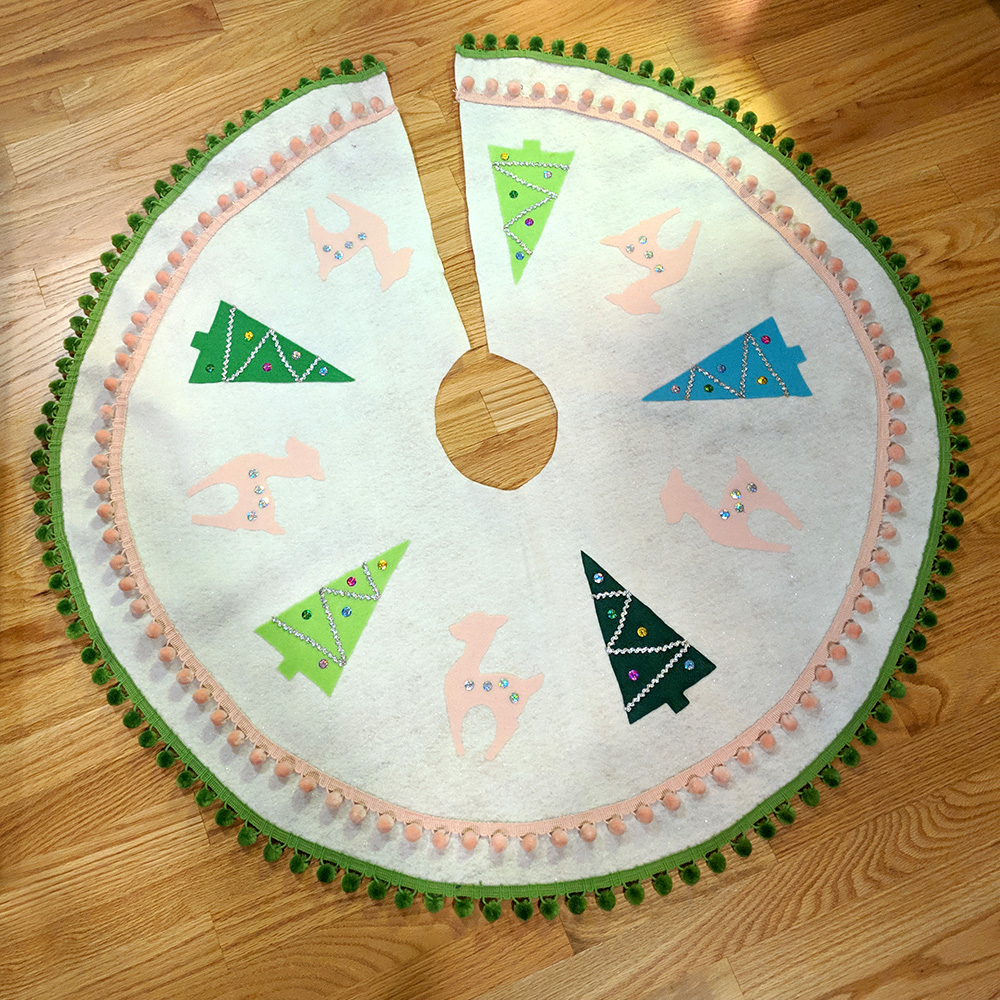 The full tree skirt design