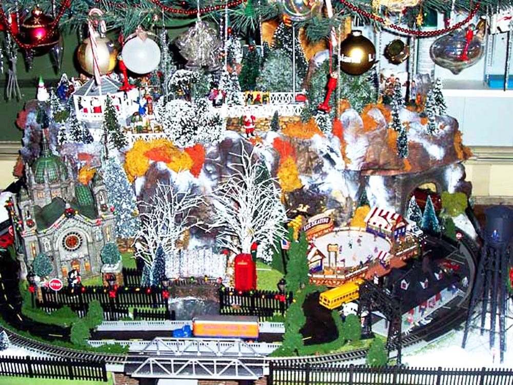 Christmas Diorama #2.jpg