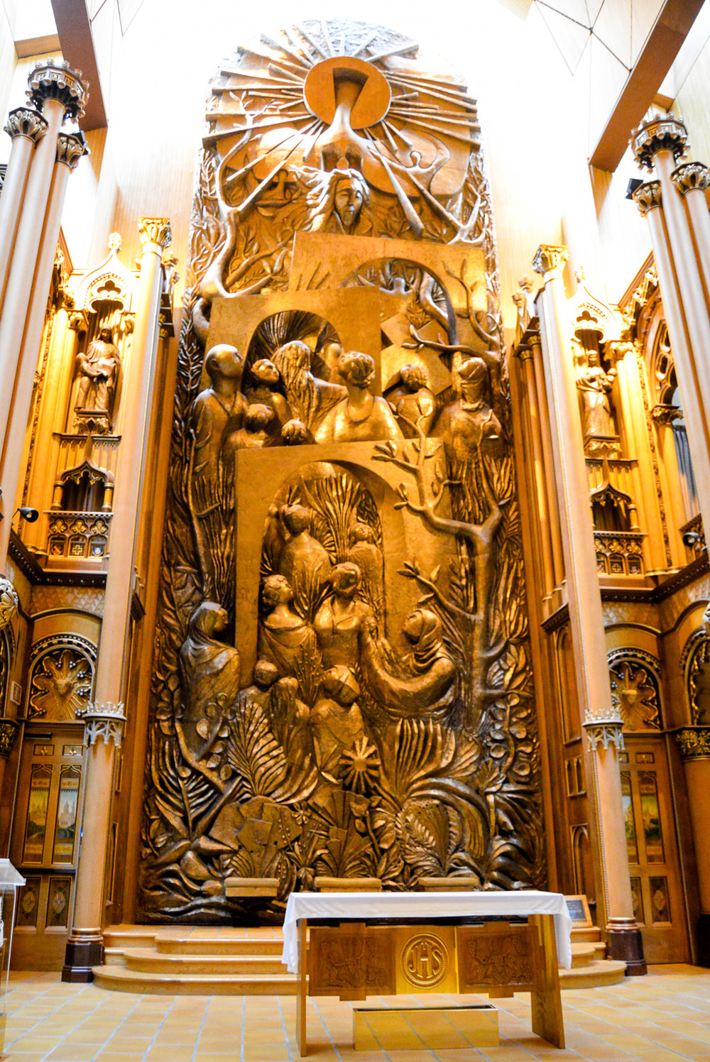(Chapel of the Sacred Heart) Altar