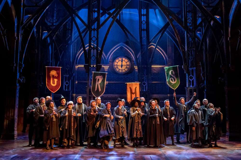 The cast of Harry Potter and the Cursed Child; Photo by Manuel Harlan  - http://www.harrypottertheplay.com/