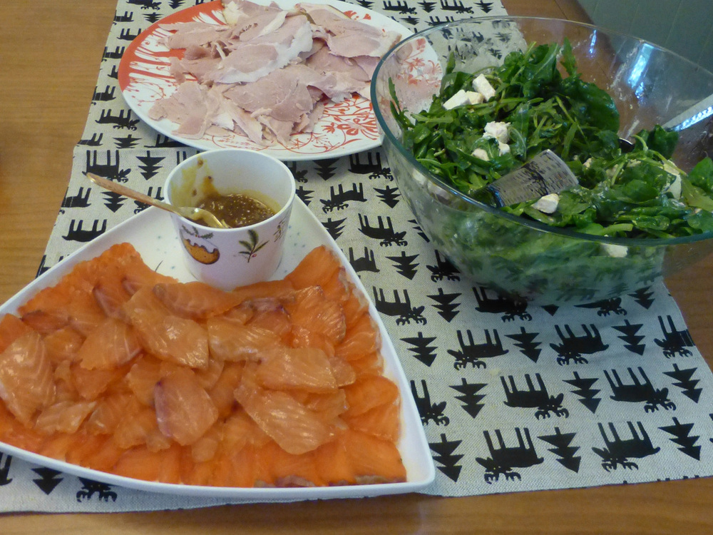 Saturdays gathering with friends was a bring a dish feast. We provided a beautiful Berkshire pig ham and I made a relish of apricot, orange, honey mustard to go with it.   Some of the dishes brought by guests included cured ocean trout and a beetroot and feta salad - all yummy!
