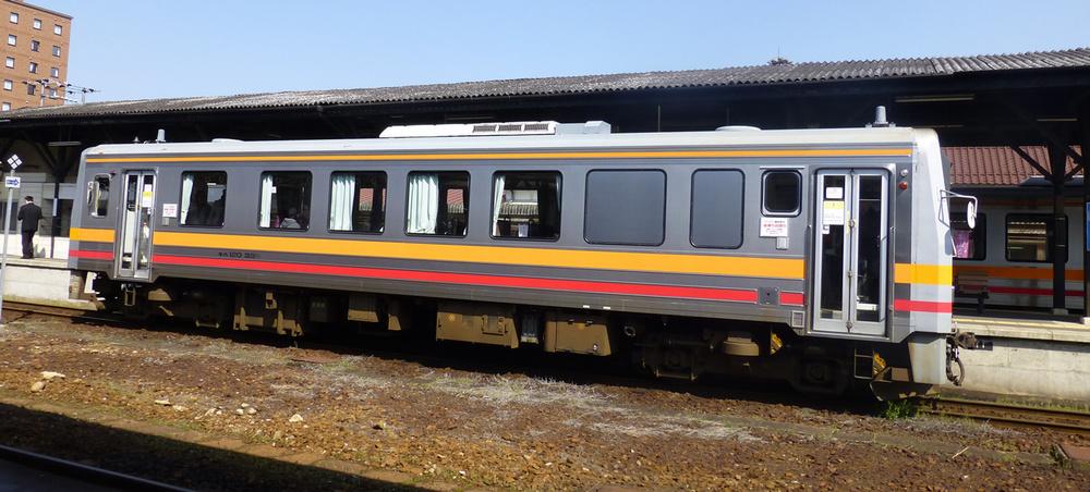 Train-Tsuyama-Shinji_1.jpg