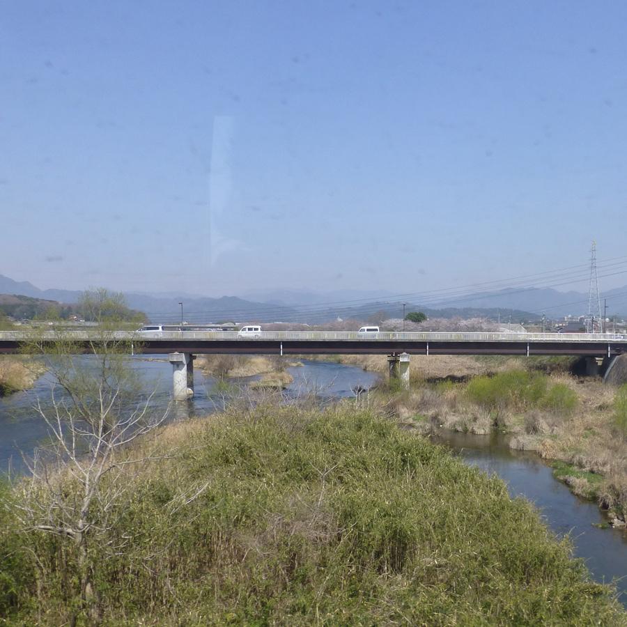 Train-Tsuyama-Shinji-7c.jpg