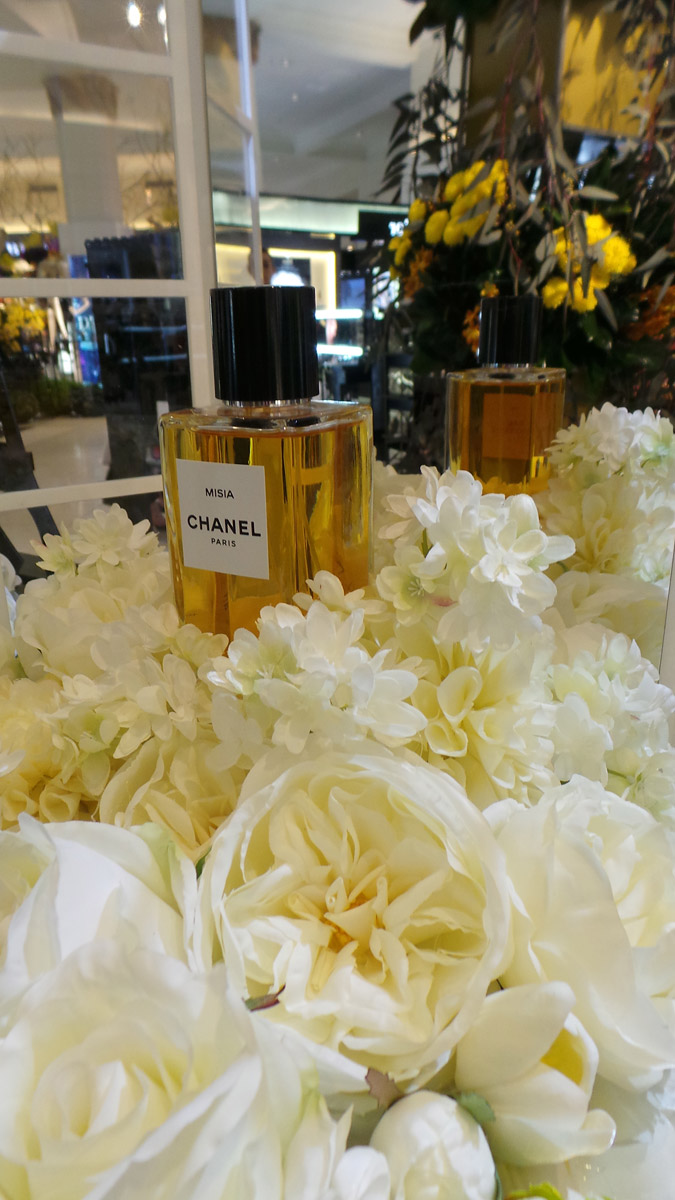 Some more delicate prettiness from Chanel