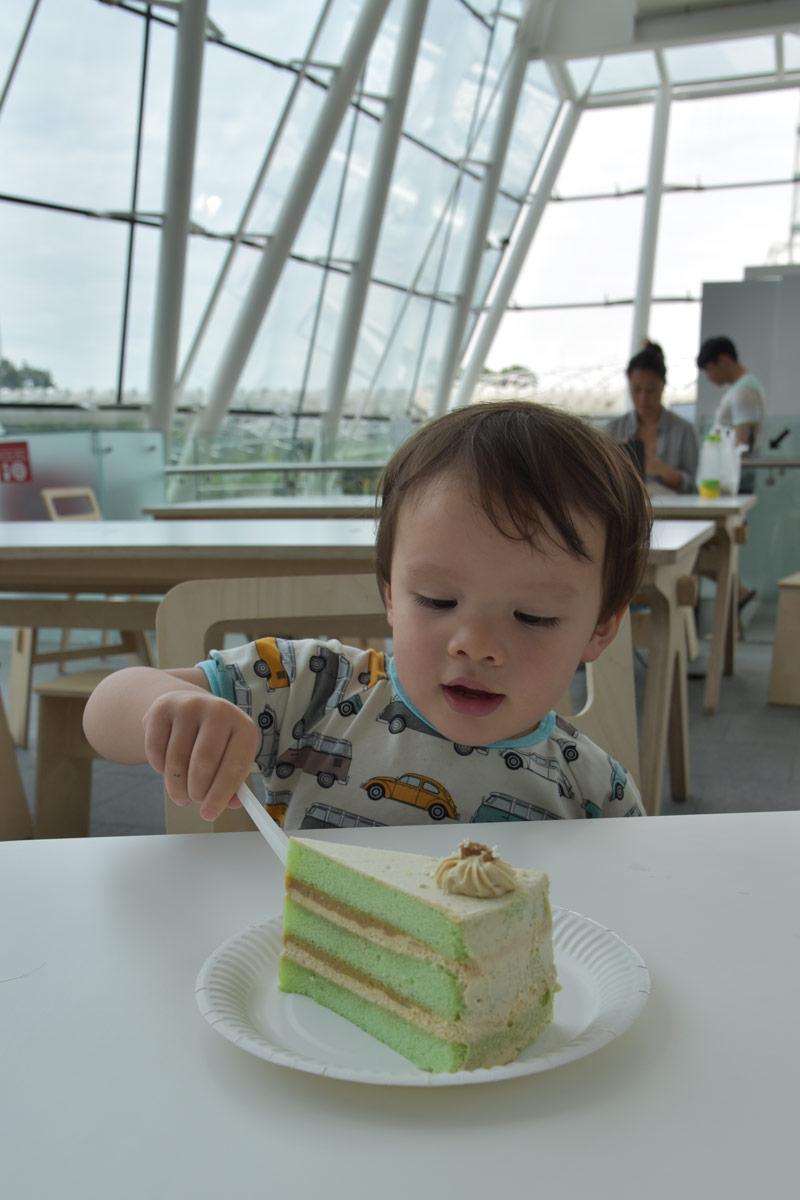 And afterwards a piece of pandan cake