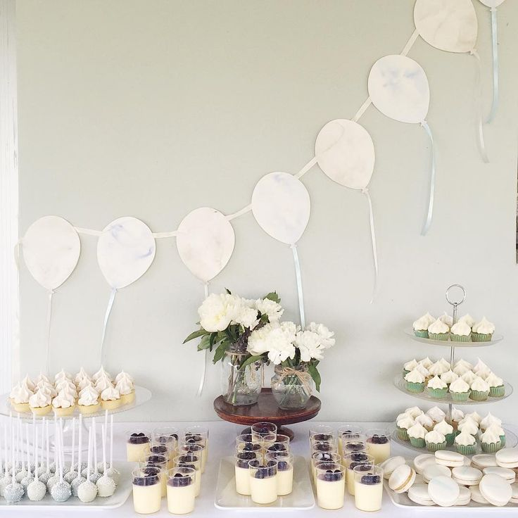 Custom bunting length by ELK Prints. Styling by Monaliz Abella of Bella Sweets.