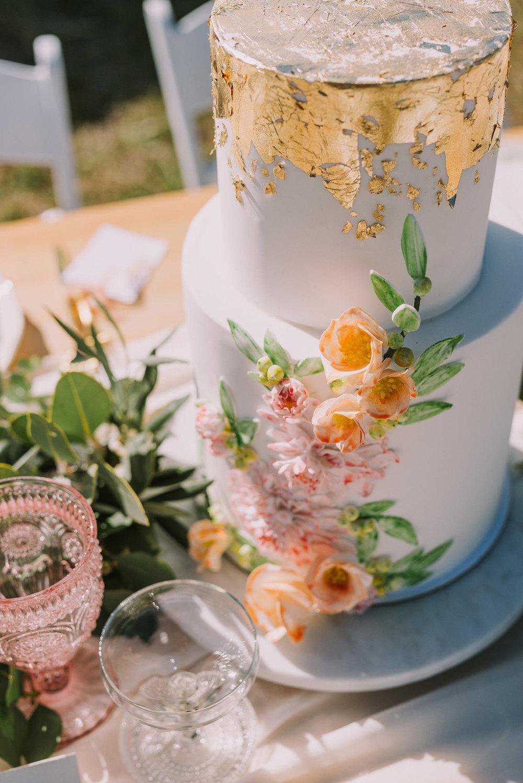 bella-vita-wedding-cake.jpg