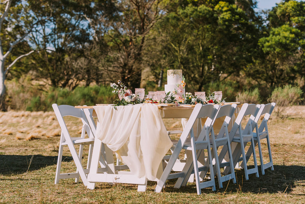 Bella-Vita-Table-trestle-chairs