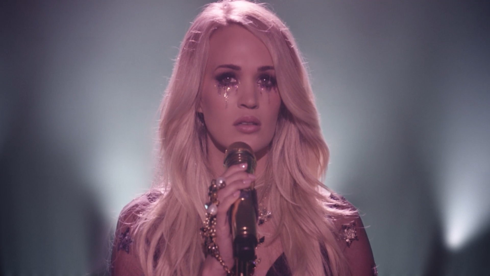 Carrie Underwood Cry Pretty A Source Of Rice