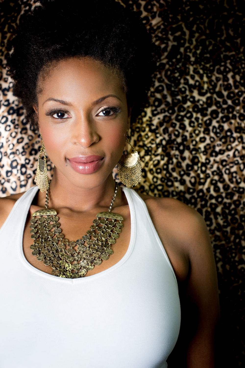 Lisa Berry Photo Shoot 2013 TNP-1-1.jpg