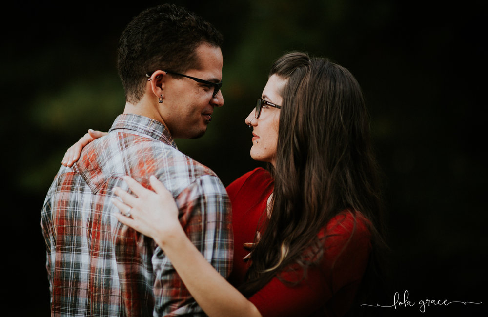 lola-grace-photography-chelsea-jesse-engagement-photos-11.jpg