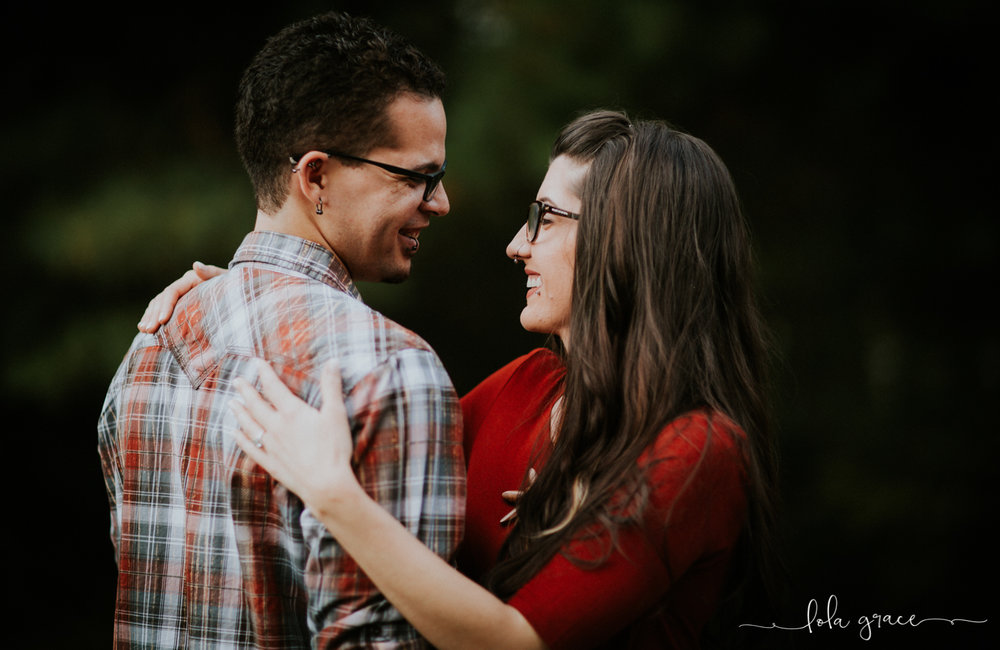 lola-grace-photography-chelsea-jesse-engagement-photos-13.jpg