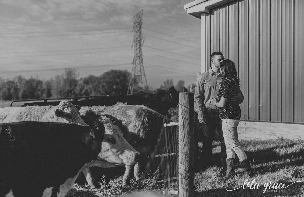 zingermans-cornman-farms-engagement-session-17.jpg
