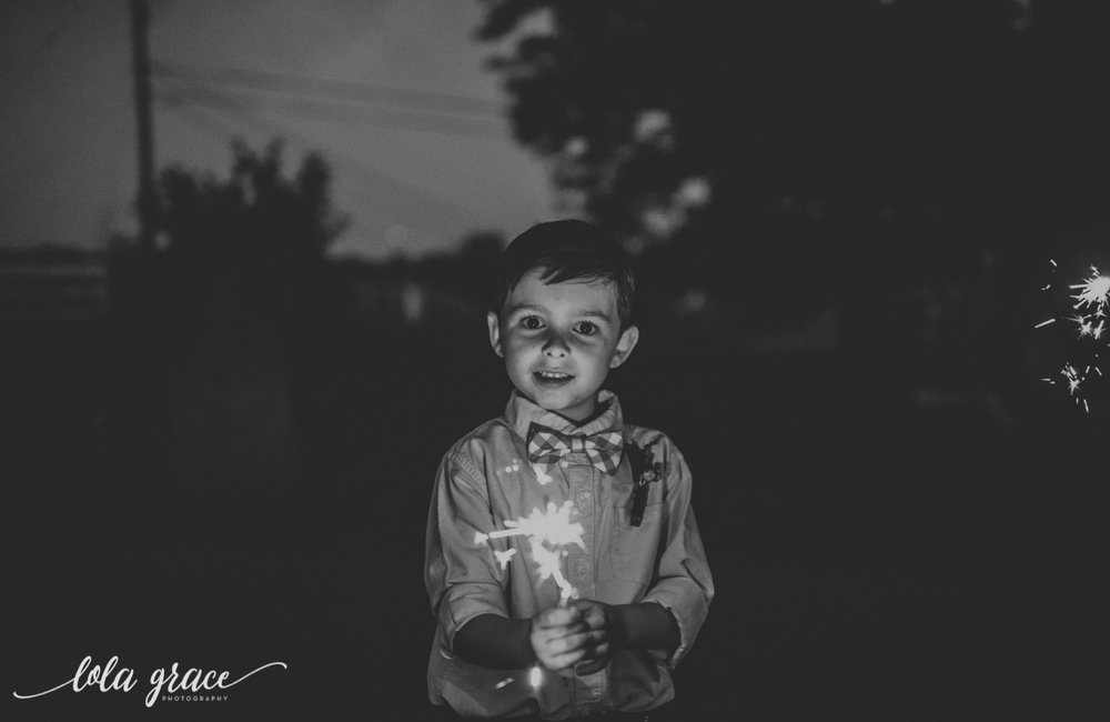 lola-grace-photography-michigan-fouth-of-july-wedding-conman-farms-81.jpg