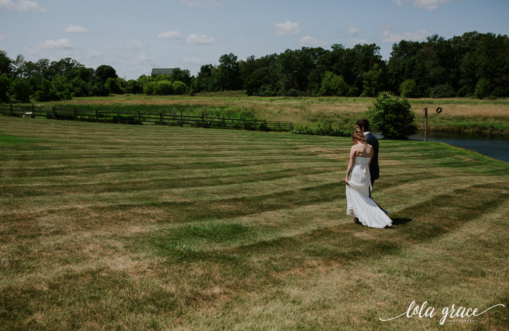 summer-wedding-at-misty-farms-ann-arbor-24.jpg