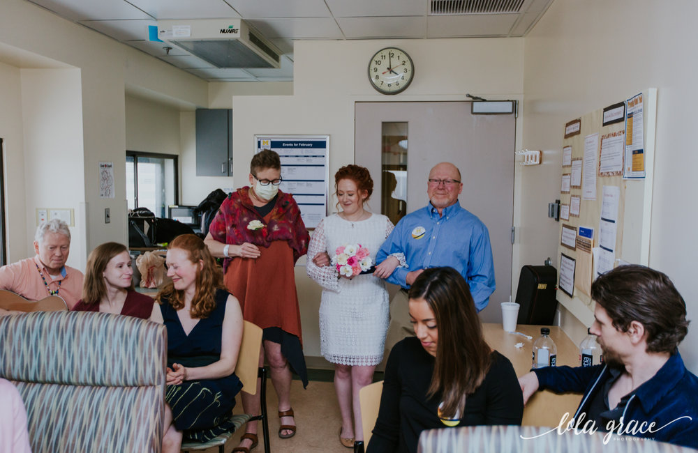 lola-grace-photography-uofm-hospital-wedding-2.jpg