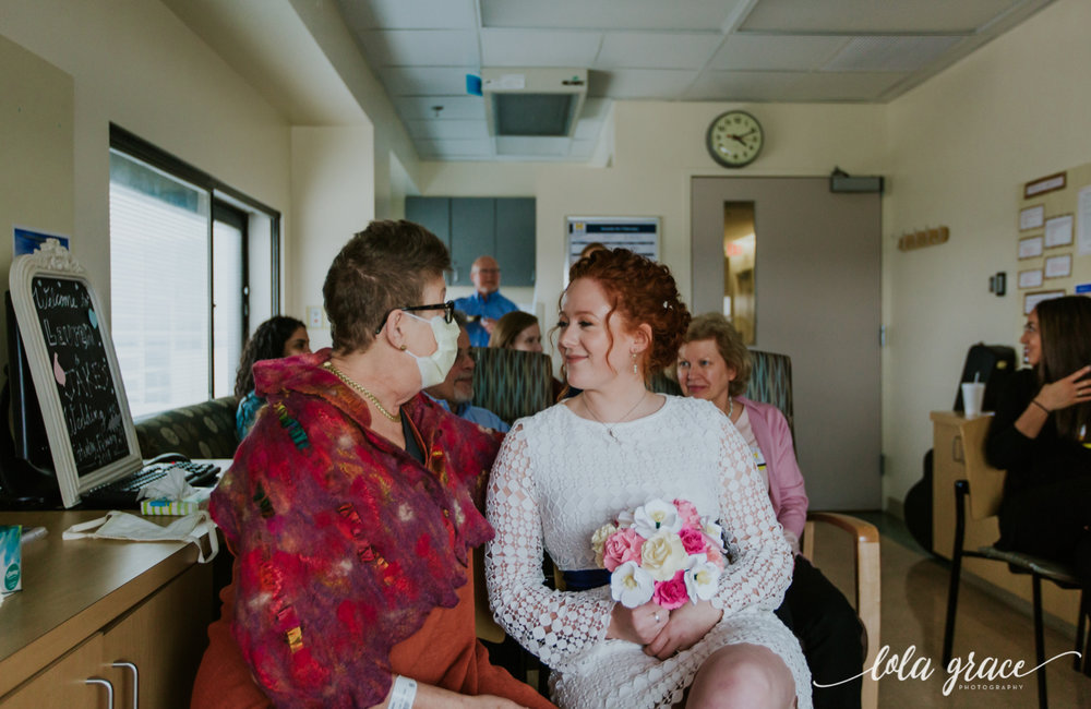 lola-grace-photography-uofm-hospital-wedding-25.jpg