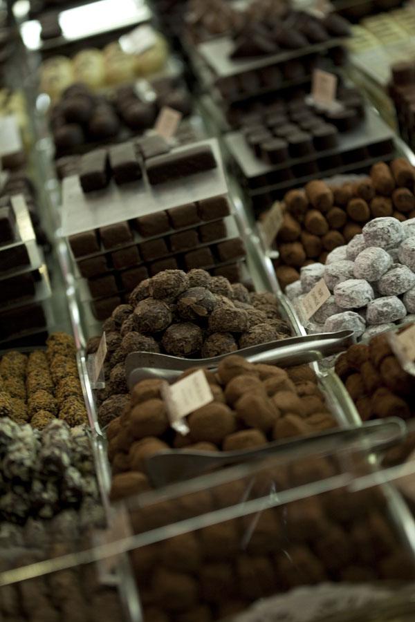French-pastries-chocolate-paris-tour.jpg
