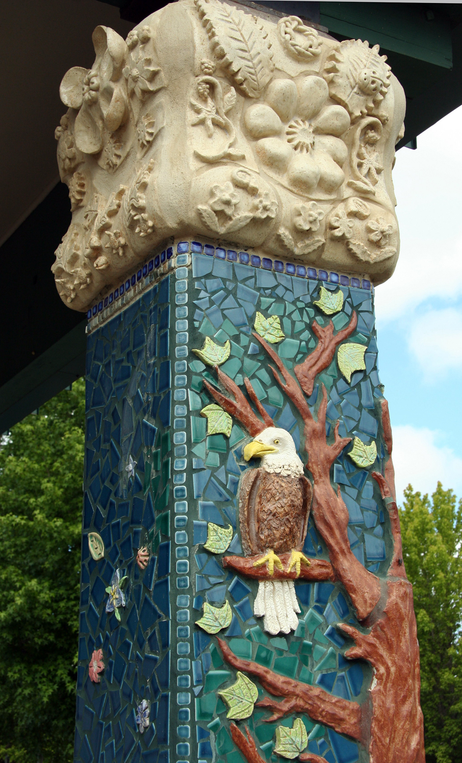 Sculptural column with youth and artist Lynn Takata, Evergreen Middle School, Hillsboro, Oregon
