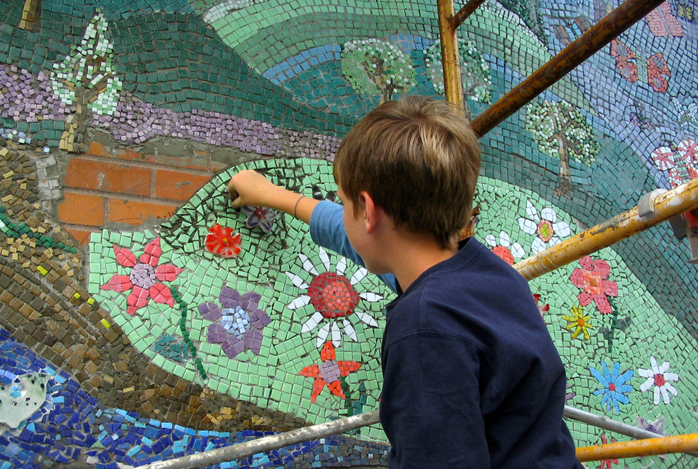 Hand setting glass mosaics