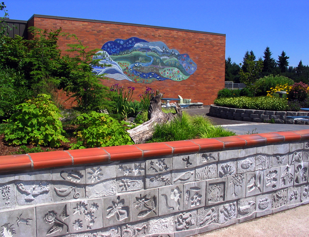 Glass mosaic and cast concrete wall, Hillsboro, Oregon