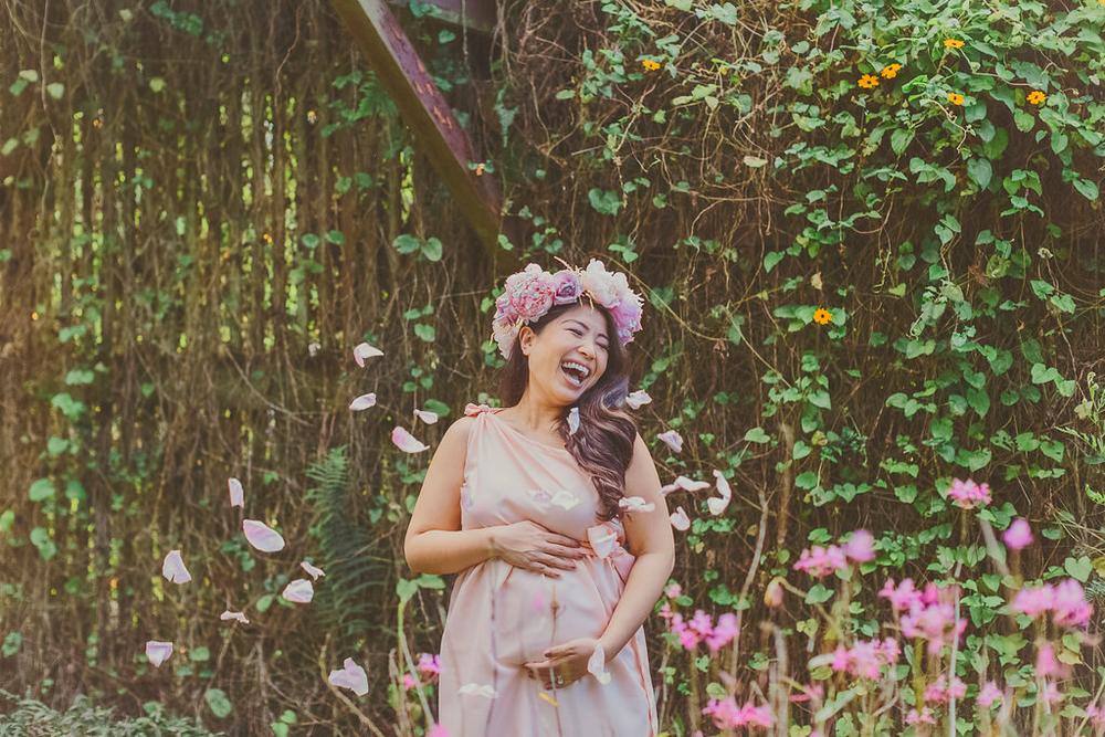 angie-diaz-photography-maui-maternity-babymoon-12.jpg