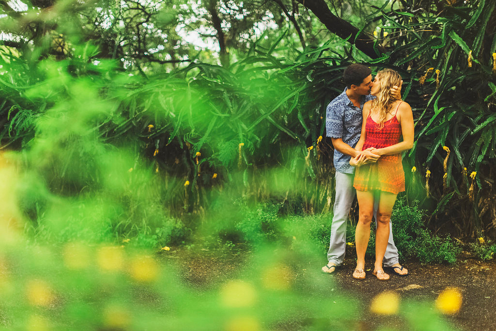 angie-diaz-photography-maui-engagement-sarah-mathias-4.jpg