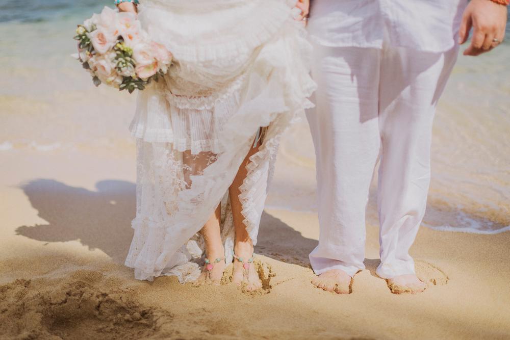 angie-diaz-photography-maui-elopement-pamela-jorg-20.jpg