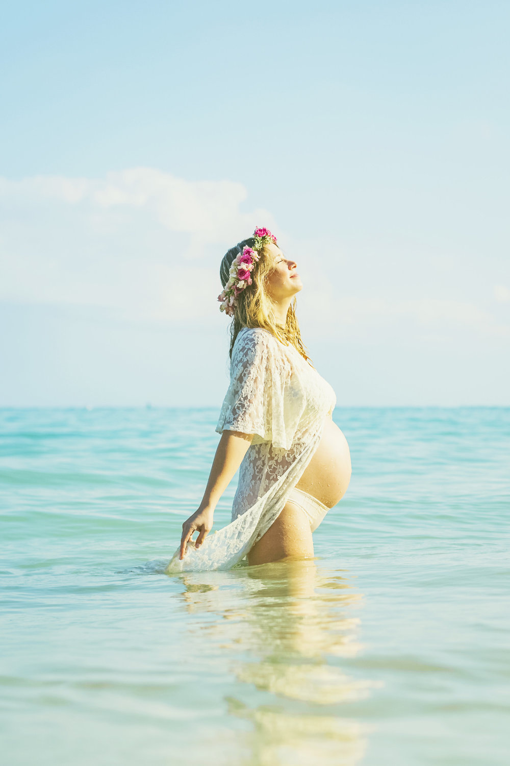 angie-diaz-photography-maui-family-maternity-kanaha-beach-23.jpeg