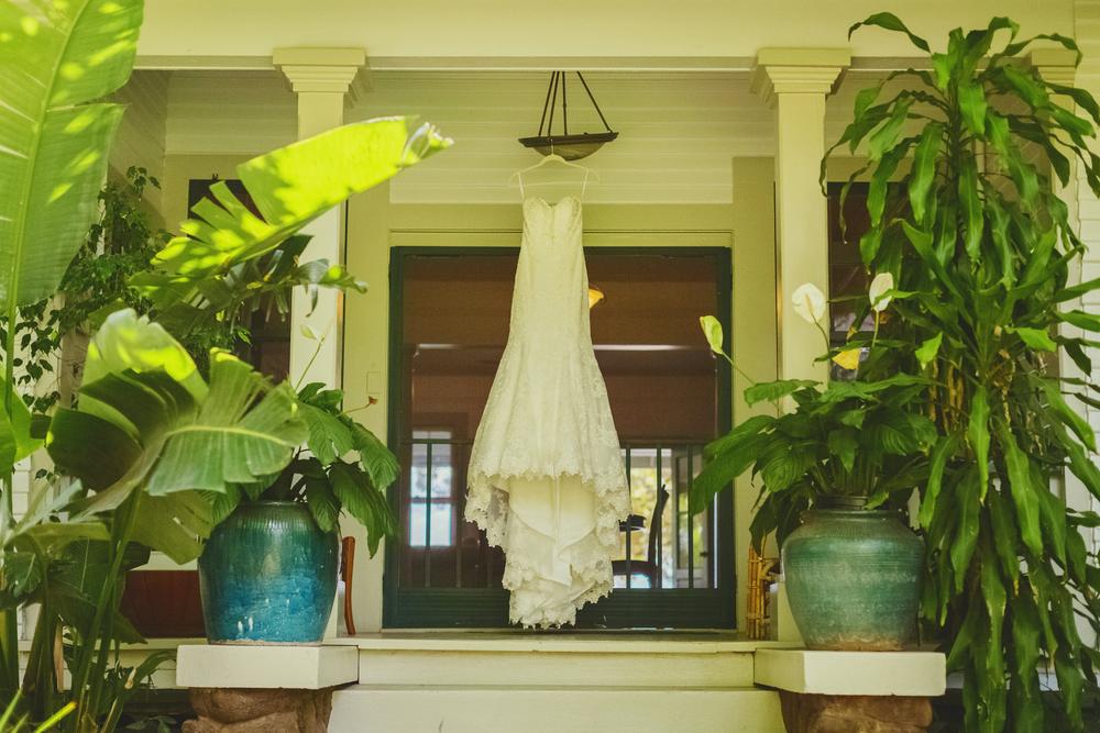 angie-diaz-photography-olowalu-plantation-wedding-crisna-brandon-3.jpg