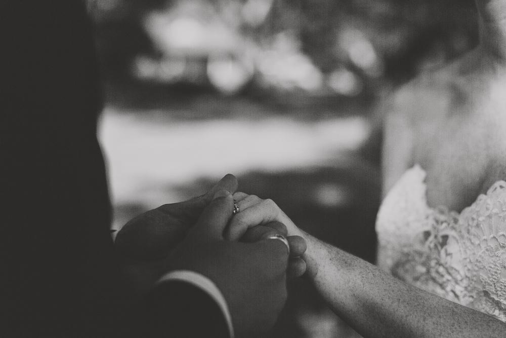 angie-diaz-photography-olowalu-plantation-wedding-crisna-brandon-15.jpg