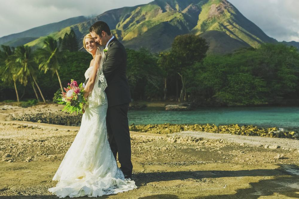 angie-diaz-photography-olowalu-plantation-wedding-crisna-brandon-22.jpg