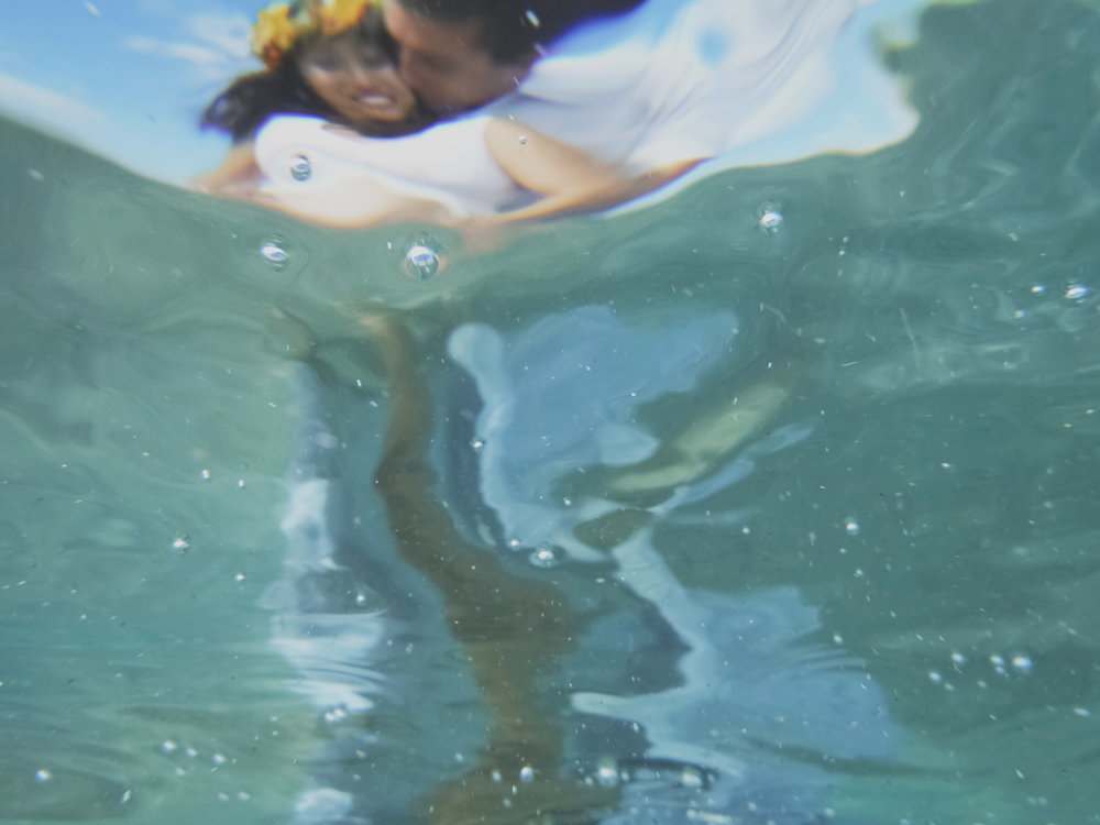 angie-diaz-photography-maui-maternity-lahaina-baby-beach-13.jpg