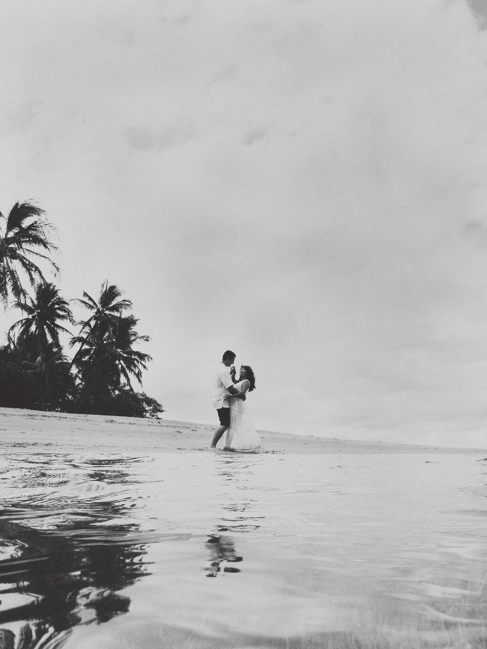 angie-diaz-photography-maui-maternity-lahaina-baby-beach-22.jpg
