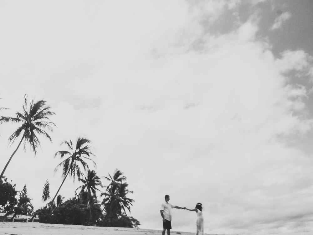angie-diaz-photography-maui-maternity-lahaina-baby-beach-23.jpg