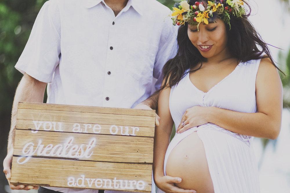 angie-diaz-photography-maui-maternity-lahaina-baby-beach-24.jpg