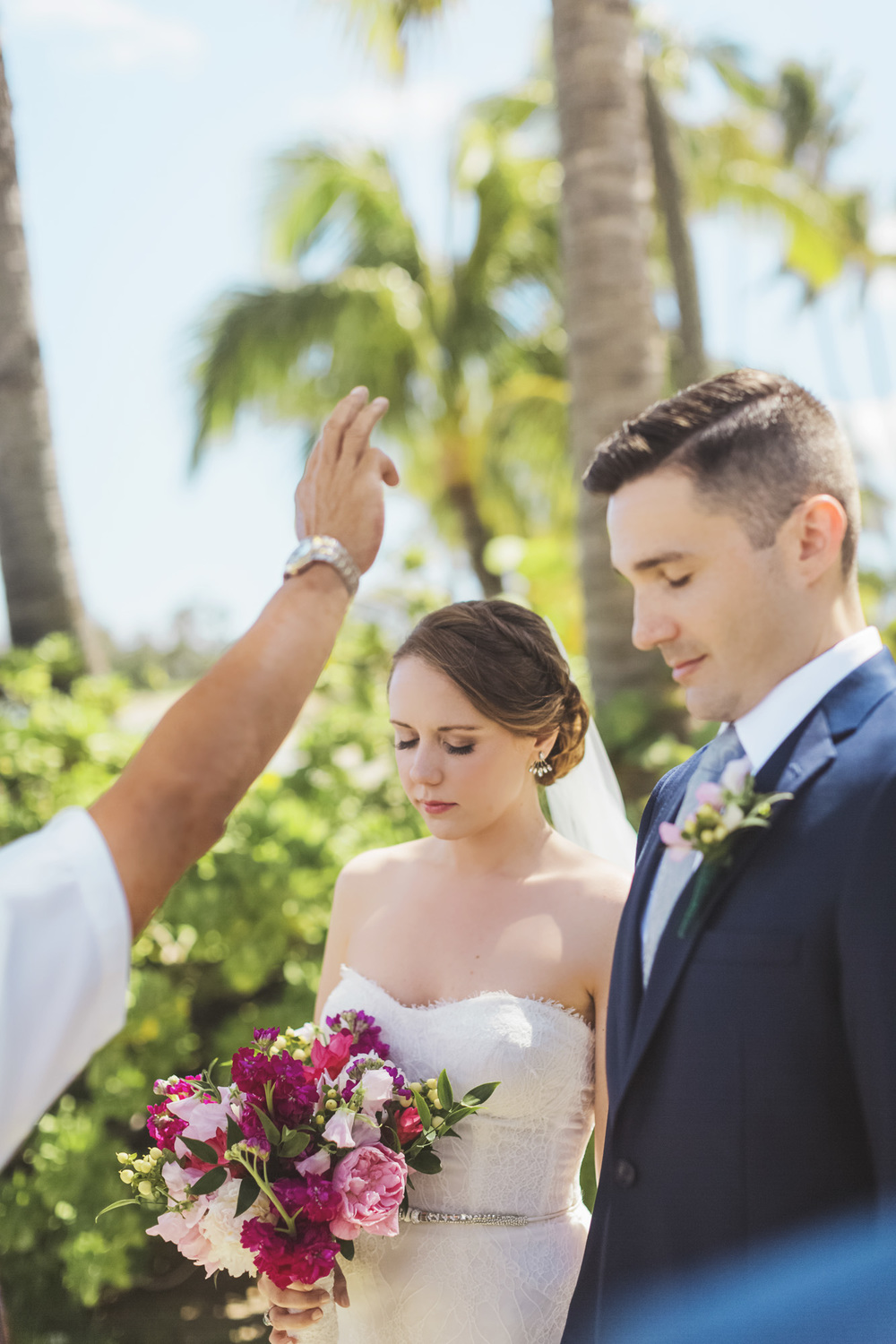 Hawaii destination beach Wedding Photographer_135.jpg
