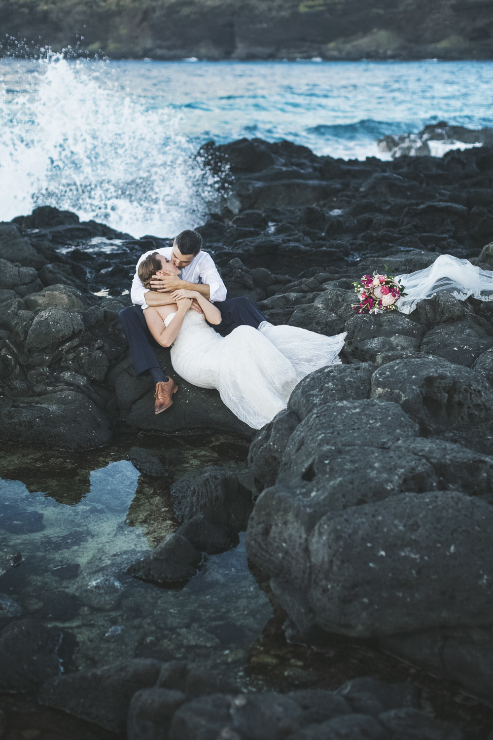 Hawaii destination beach Wedding Photographer_77.jpg