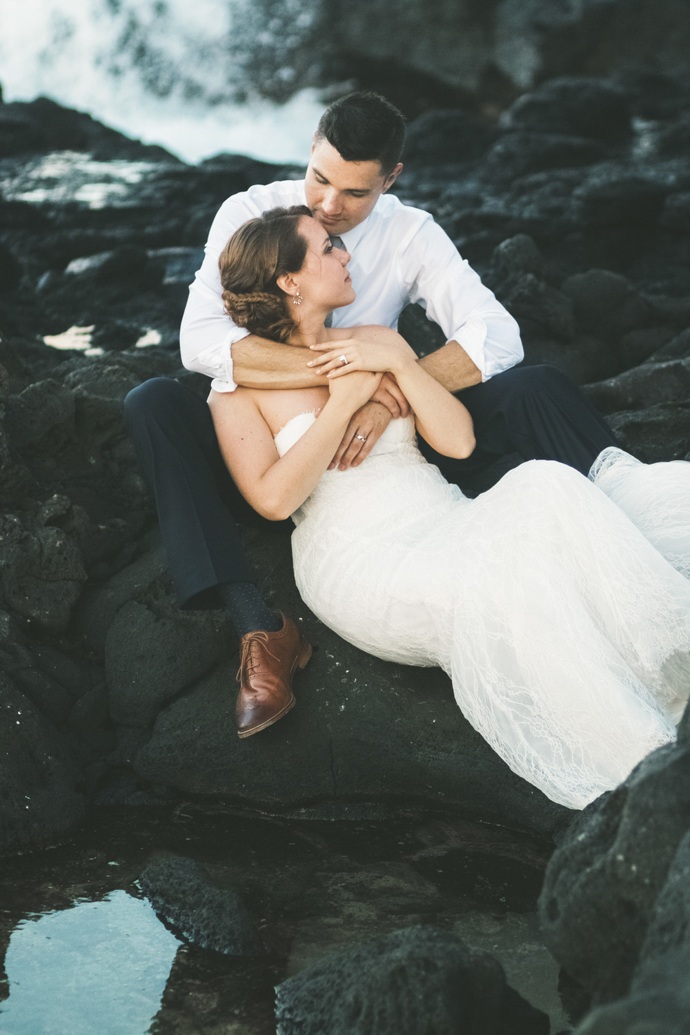 Hawaii destination beach Wedding Photographer.jpg