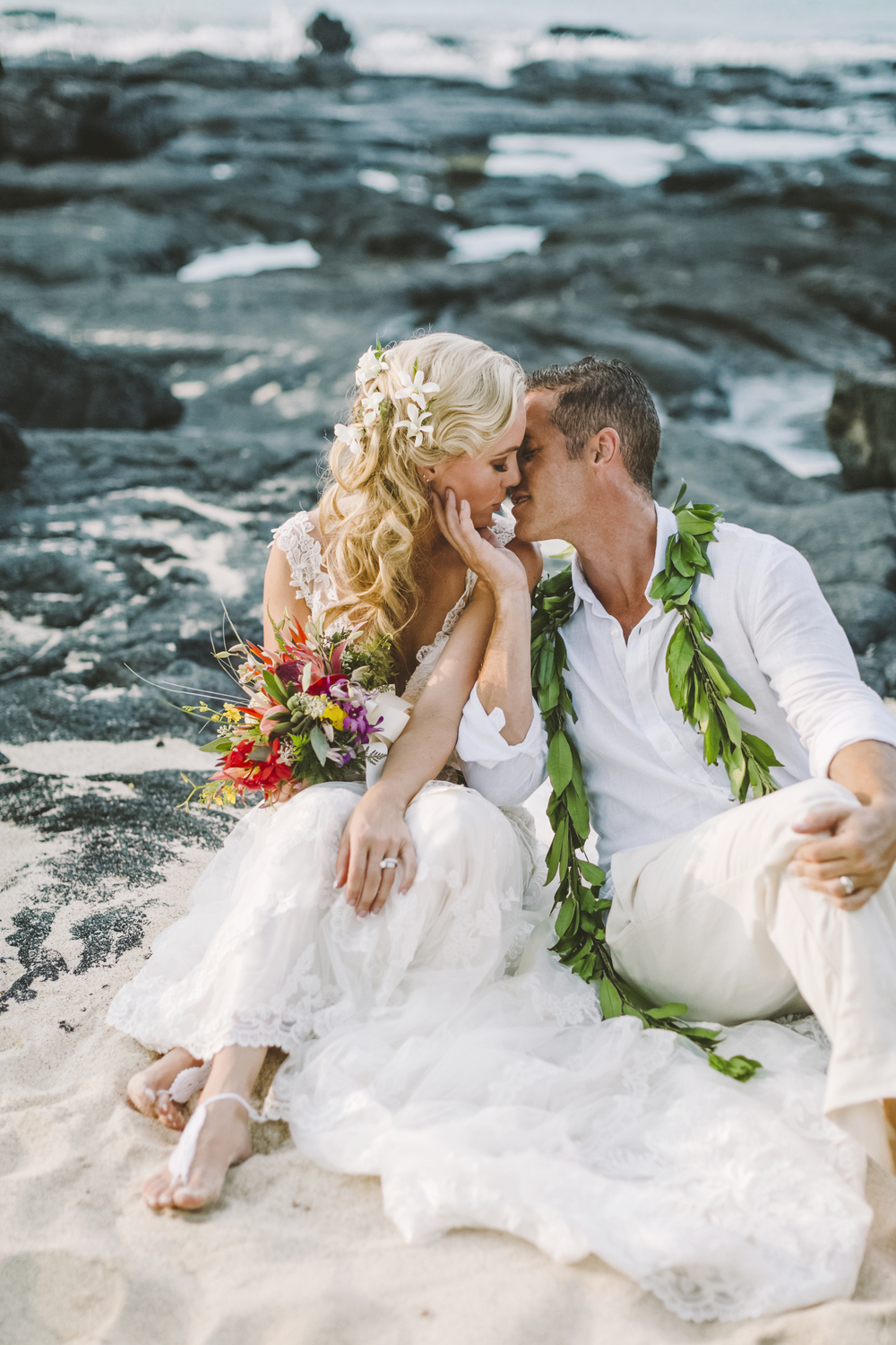 angie-diaz-photography-hawaii-wedding-photographer-kelli-jay-95.jpg
